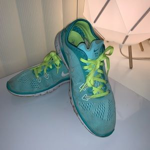 Nike Shoes - Nike Running Shoes